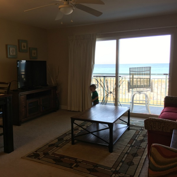 Our condo at Pelican Isle {Okaloosa Island} | rainerlife.com