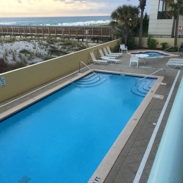 Pool at the condo {Okaloosa Island} | rainerlife.com