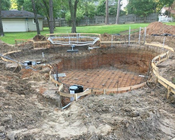 Steel & Piping for Pool | rainerlife.com