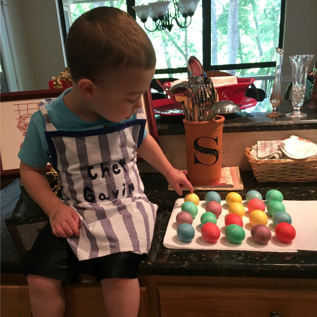 Dyeing Easter Eggs | rainerlife.com
