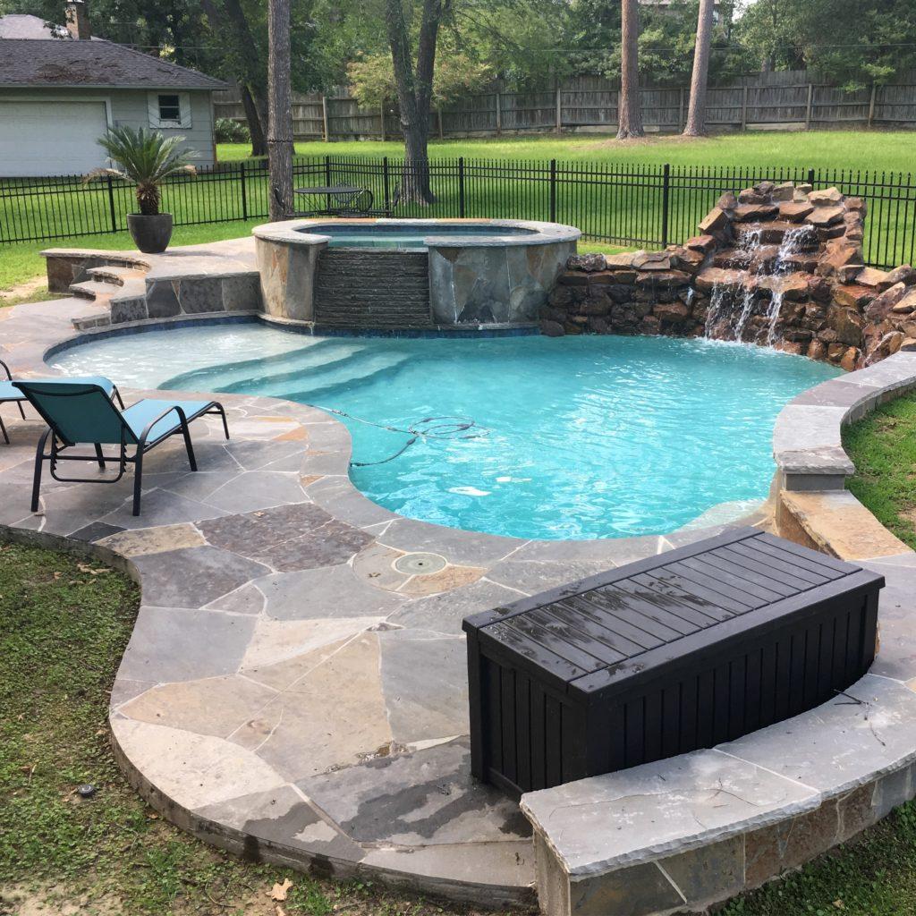 Swimming pool | rainerlife.com