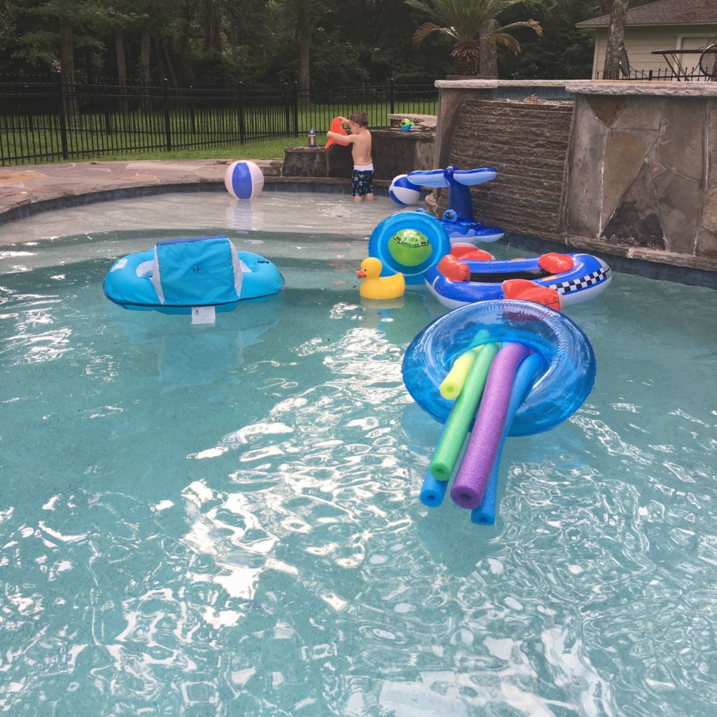 Gavin playing in the swimming pool | rainerlife.com