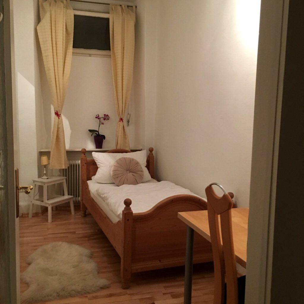 Bedroom at Heidelberg Airbnb | rainerlife.com