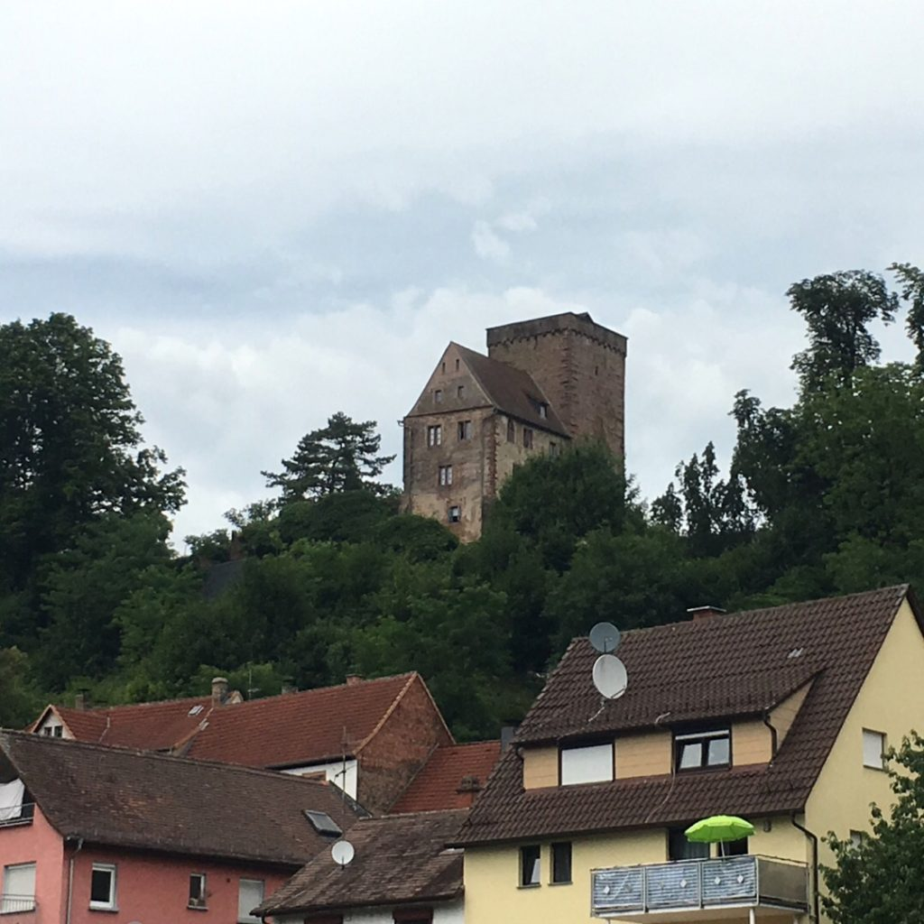 Vorderburg Castle in Neckarsteinach | rainerlife.com