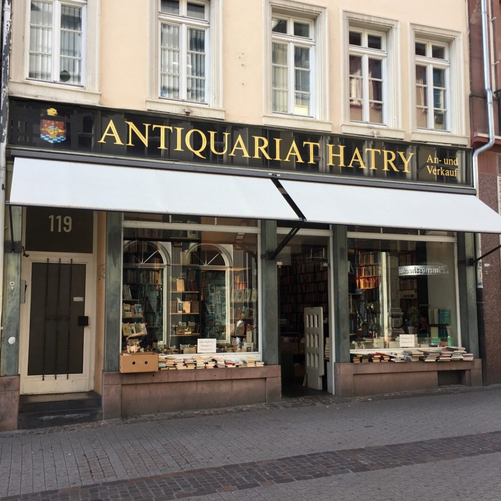 Bookshop on Hauptstrasse {Heidelberg, Germany} | rainerlife.com